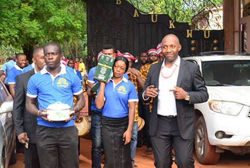 The town of Mbaukwu went agog with excitement as the Omega Aromatic Schnapps team pays a Royal Cum Courtesy Visit to his Royal Majesty, Igwe P.N